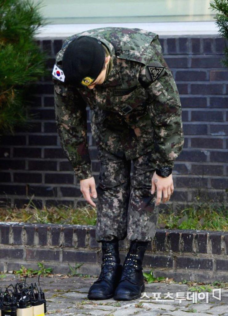 G-Dragon xuất ngũ