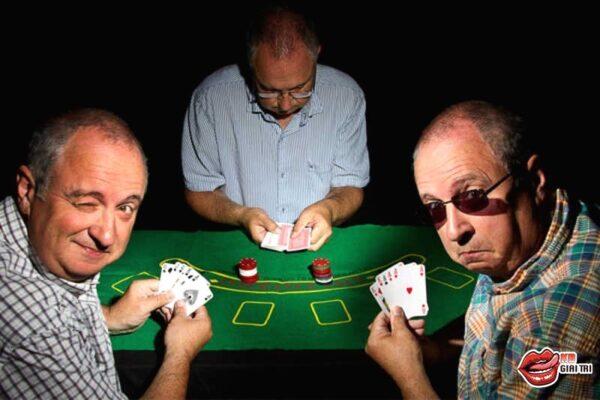 Game Bài Poker - Kiếm Tiền có thực sự dễ dàng?