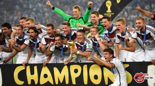 Thủ môn Neuer – Người sở hữu tố chất của các thủ môn huyền thoại