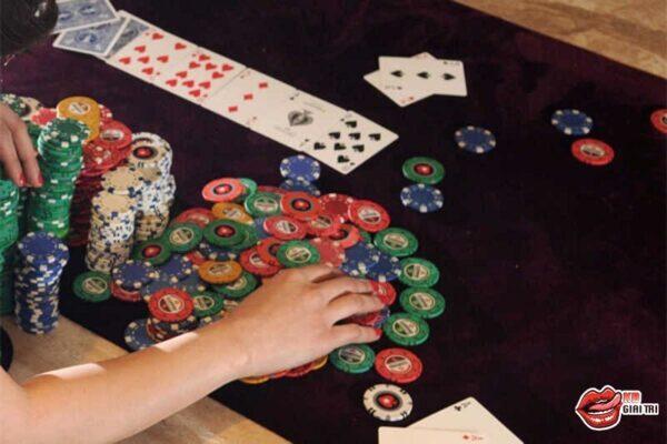 Chip Poker Là Gì – Vì Sao Chỉ Có Thể Dùng Chip Để Chơi Poker?
