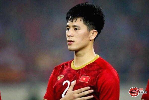 U23 châu Á - HLV Park Hang Seo muốn có Văn Hậu