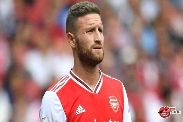 Thảm họa của Arsenal đếm ngày rời Emirates