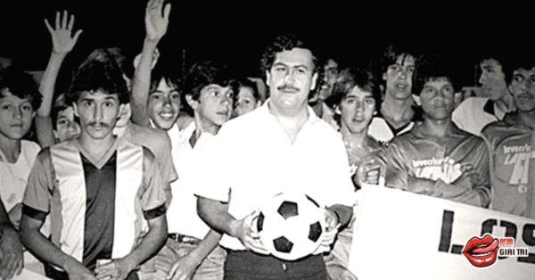Cầu thủ Colombia bị bắn chết sau khi phản lưới nhà