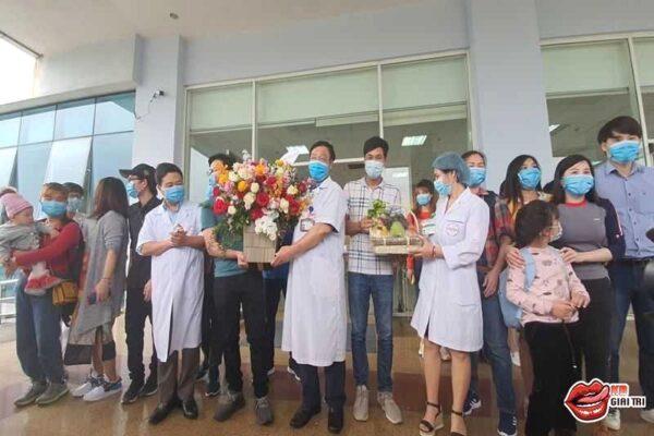 30 công dân Việt Nam trở về từ tâm dịch Vũ Hán được ra viện