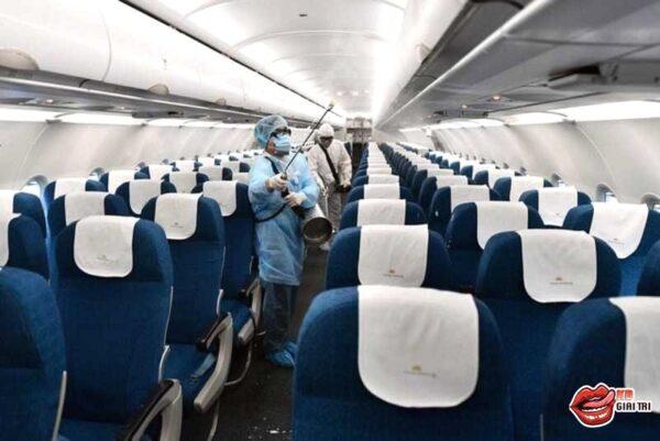 Tin mới về chuyến bay chở nữ bệnh nhân dương tính với Covid-19