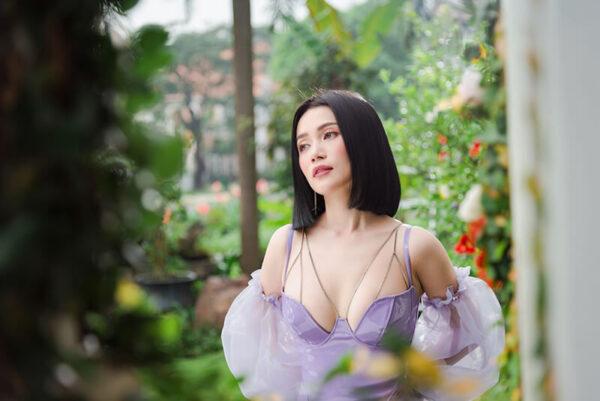 Sĩ Thanh - Huỳnh Phương chính thức xác nhận tan vỡ sau 1 năm hẹn hò