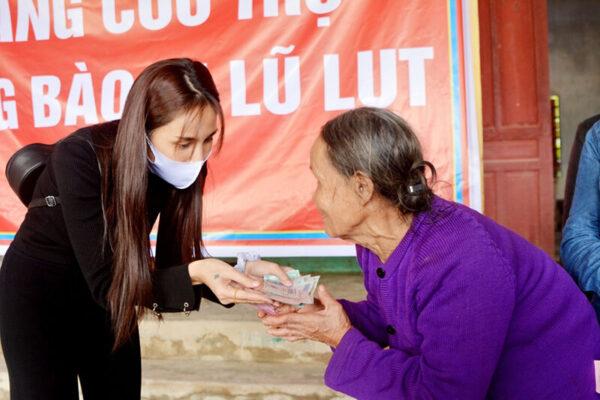Sau Hương Giang, đến Thuỷ Tiên viết tâm thư gửi antifan