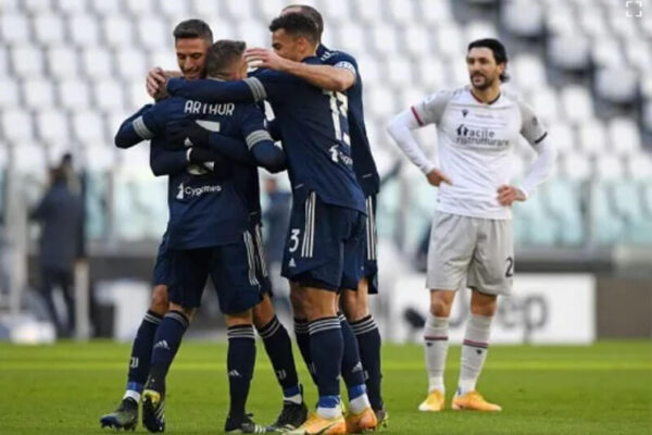 Ronaldo không ghi bàn, Juventus đành thắng nhẹ Bologna