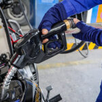 Giá xăng dầu hôm nay 12/3: Đồng loạt tăng mạnh