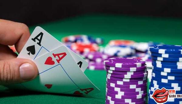 Cách đọc bài poker từ tay chơi chuyên nghiệp