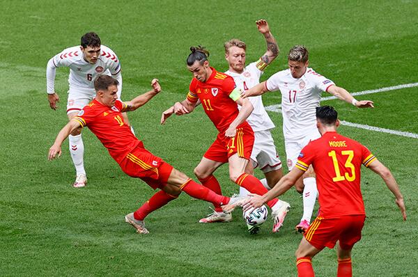 Tuyển Đan Mạch 4-0 Xứ Wales: Tinh thần 'lính chì' đã trở lại!