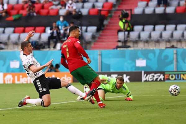 Ronaldo lập công, đội tuyển bóng đá Bồ Đào Nha vẫn thảm bại trước người Đức