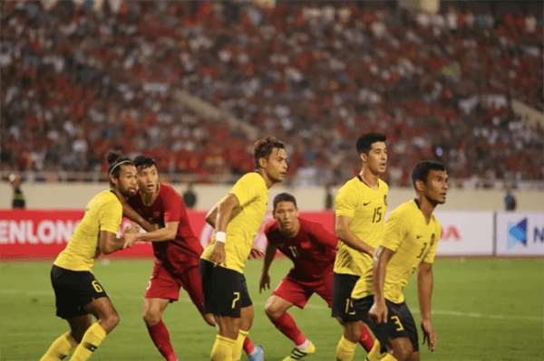 Lịch thi đấu bóng đá hôm nay 11/6: Việt Nam - Malaysia mấy giờ?