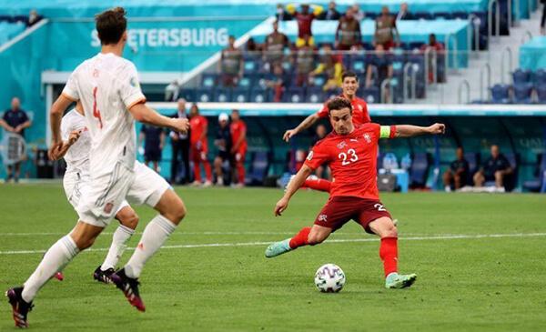 """Kết quả Thụy Sĩ vs Tây Ban Nha: Người nhện xuất thần, suýt có """"động đất"""""""