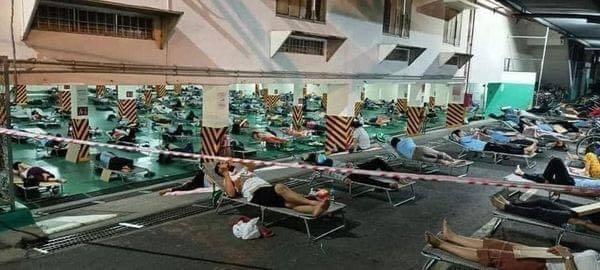 Xôn xao công nhân cách ly tại KCN ở Bình Dương phải ngủ ngoài trời